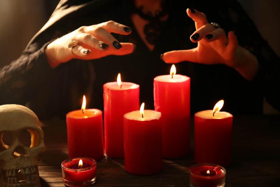 белый приворот по фото красная свеча